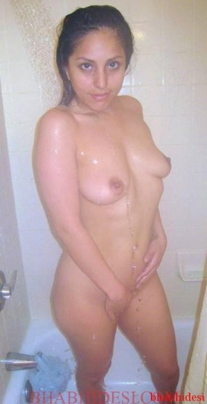 sexy-indian-pakistani-bhabhi-and-wife-nude-photo-26-sexy-bhabhi-sexy-indian-photo-299x584