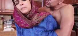 Bengali choti story অফিসে রিপাকে চেপে ধরে দুই পাছার মধ্যখানে ঠাপ